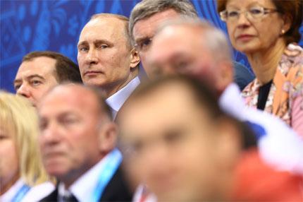 Władymir Putin dość często pokazywał się w Soczi na trybunach, fot. Robert Szaj - socz_05_put_miedw