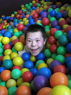 zdjęcie: niepełnosprawny chłopiec