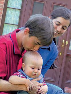 zdjęcie: rodzice z małym dzieckiem