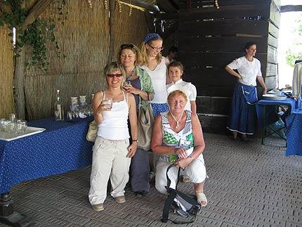 Na zdjęciu: degustacja Palinki w Puszcie. Fot. Małgorzata Tokarska